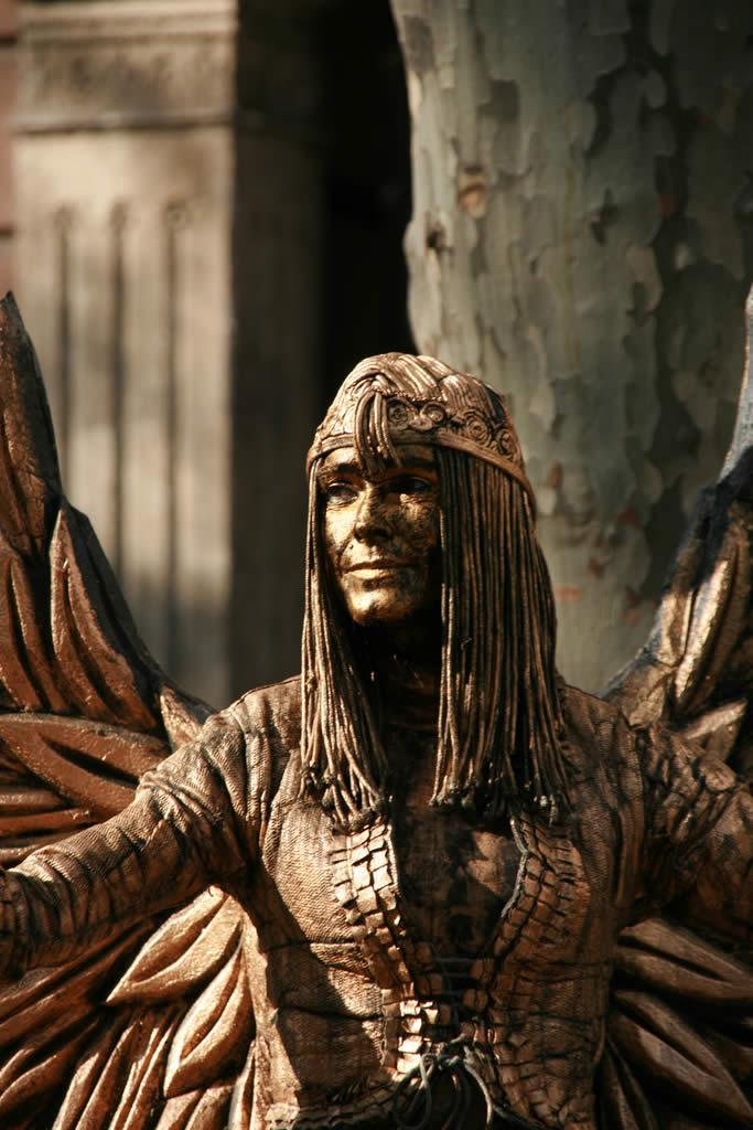 Human statues at les Rambles de Barcelona