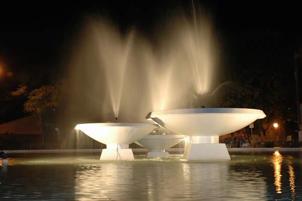 Общественный фонтан