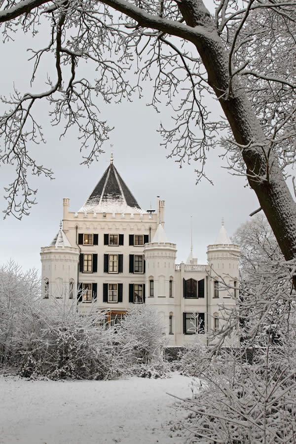 Castle Sandenburg during wintertime