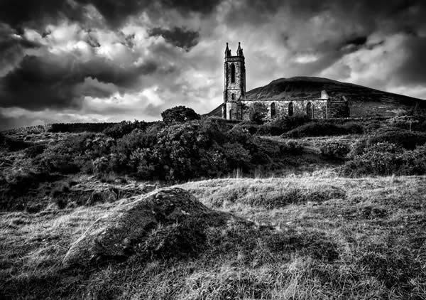 DUNLEWY CHURCH B&W