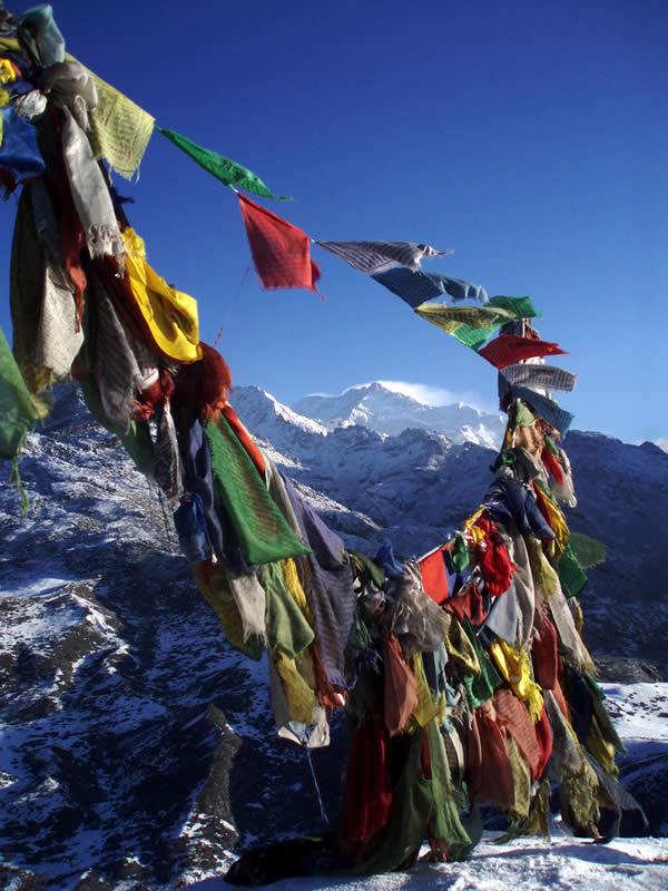 Buddhist flag and the kanchendzonga