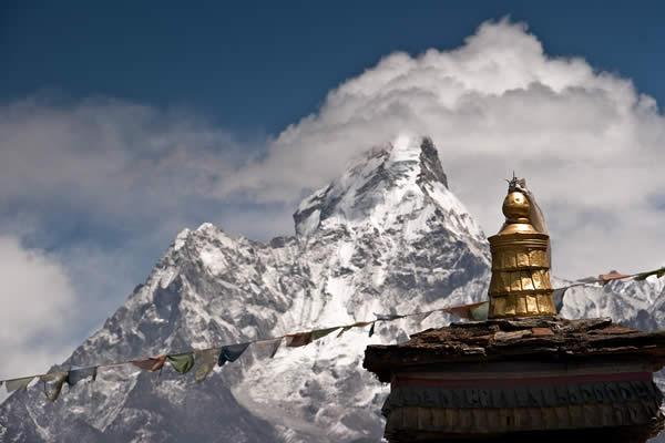 Ama Dablam e stupa
