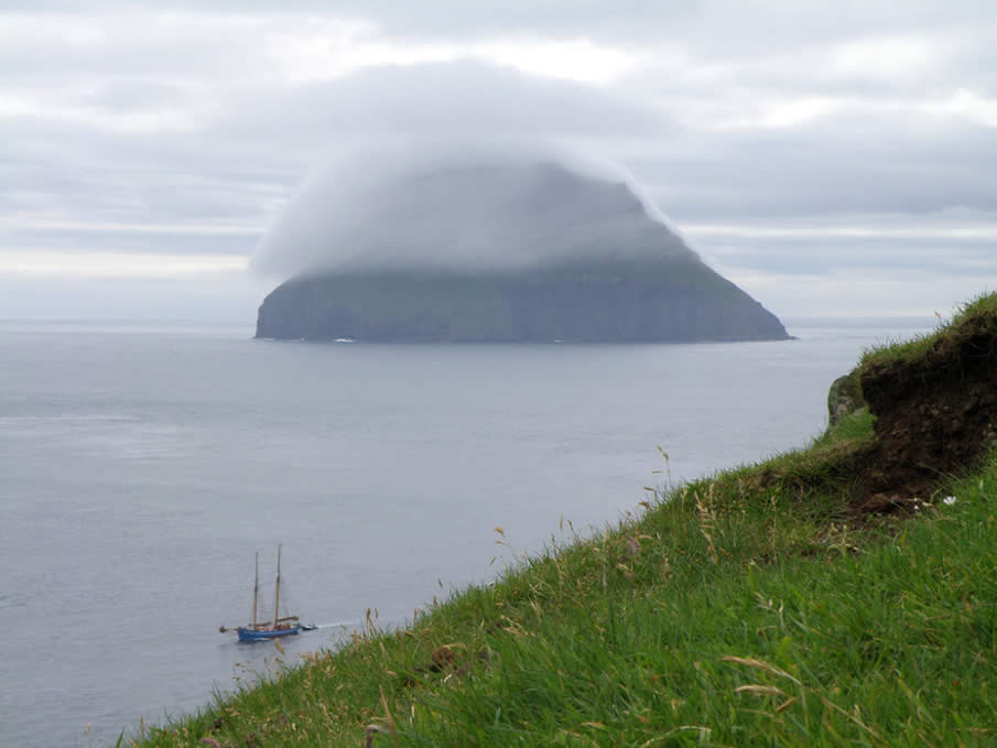 Lítla Dímun with a Foggy Hat