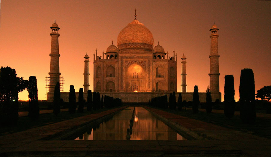 Taj Mahal Night