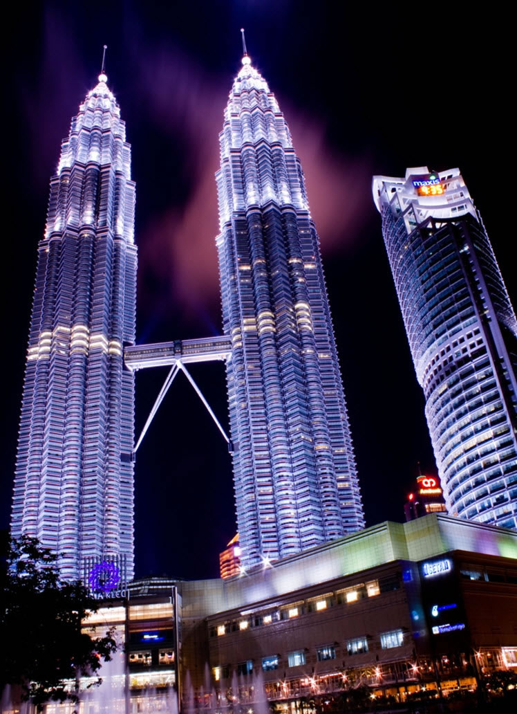 Petronas Twin Tower - Night