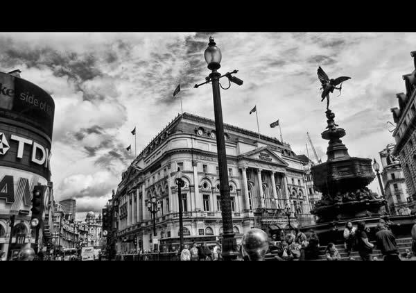 Цирк Пикадилли в Лондоне