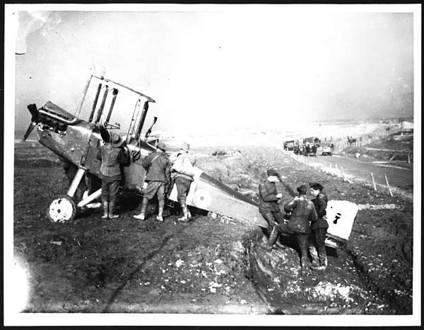 Dismantling an Aeroplane, During World War I