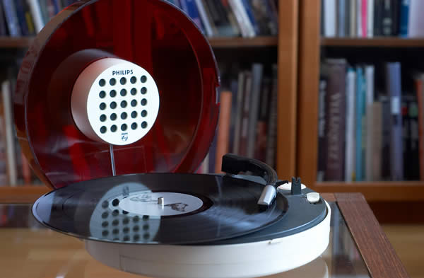 Philips portable record player 6