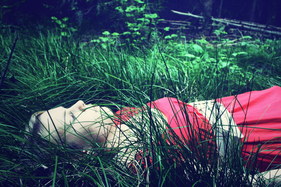 Sleeping Princess in the Green Green Grass