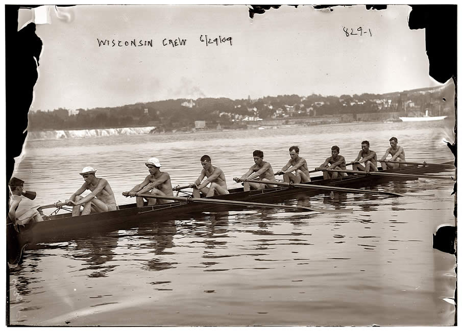 Wisconsin crew team in shell. June 29, 1909.