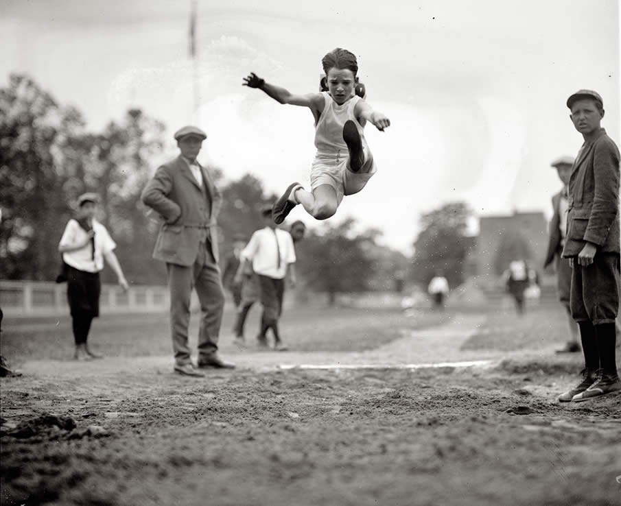 Another shot from the 1924 grade-school track meet in Washington.
