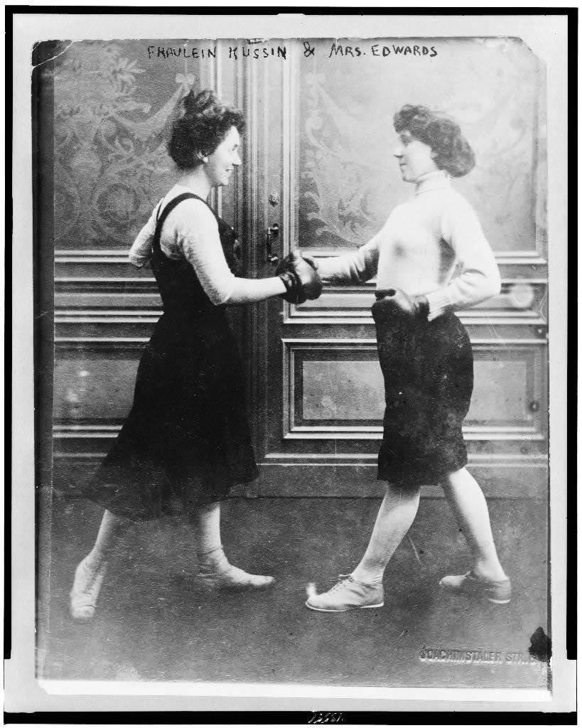 Fraulein Kussin and Mrs. Edwards boxing.