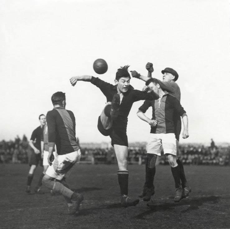 League soccer match for the Dutch championship between HBS and Go Ahead Eagles (result 4-2). March 1925.