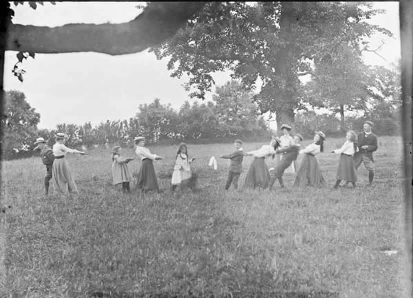 Tug of war  Lively clash of contestants at Drumleck, Co. Louth.  Date: Circa 1907