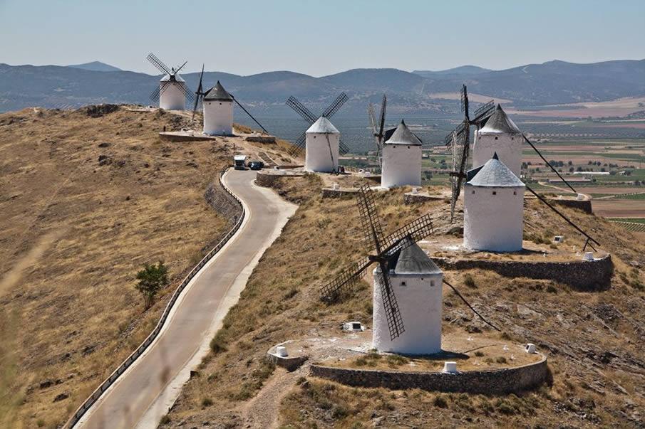 Windmills, Castile de la Muela