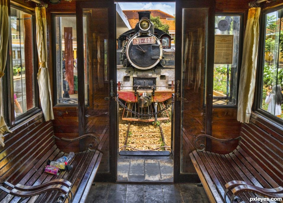 Train Transport of Olde