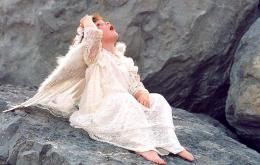 Angel on the rocks!