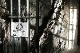 puppet in prison Picture
