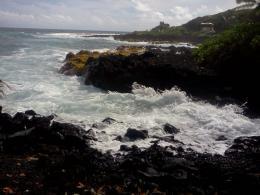 Hawaiian Waves of Tranquility