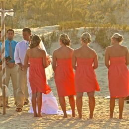 Smalleveningweddingonasandybeach