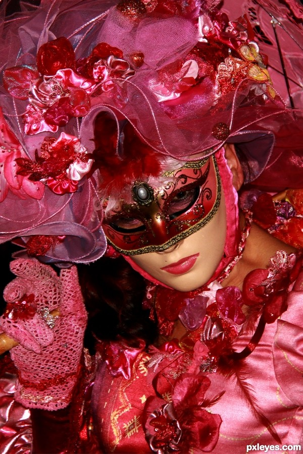 Pink mask photoshop picture)
