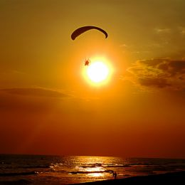 FLYINGPARAMOTOR