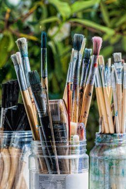 Plenty of brushes