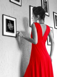 Lady in Red Picture