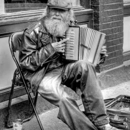 AccordionPlayer