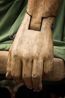 Giants hand