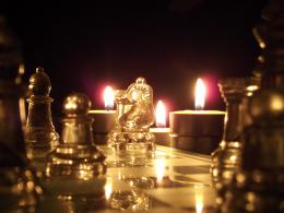 ChessByTeaLight