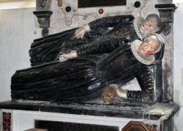 ElizabethanCarving