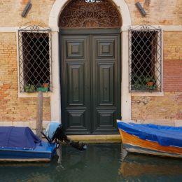 Venetiandoor