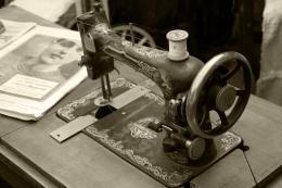 Oldsewingmachine