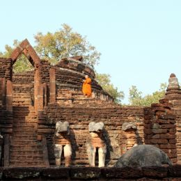 Ruined temple at Kamphaeng Phet, Thailand  Entry number 109978 Picture