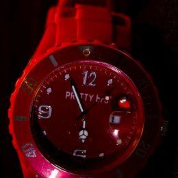 Redwristwatch