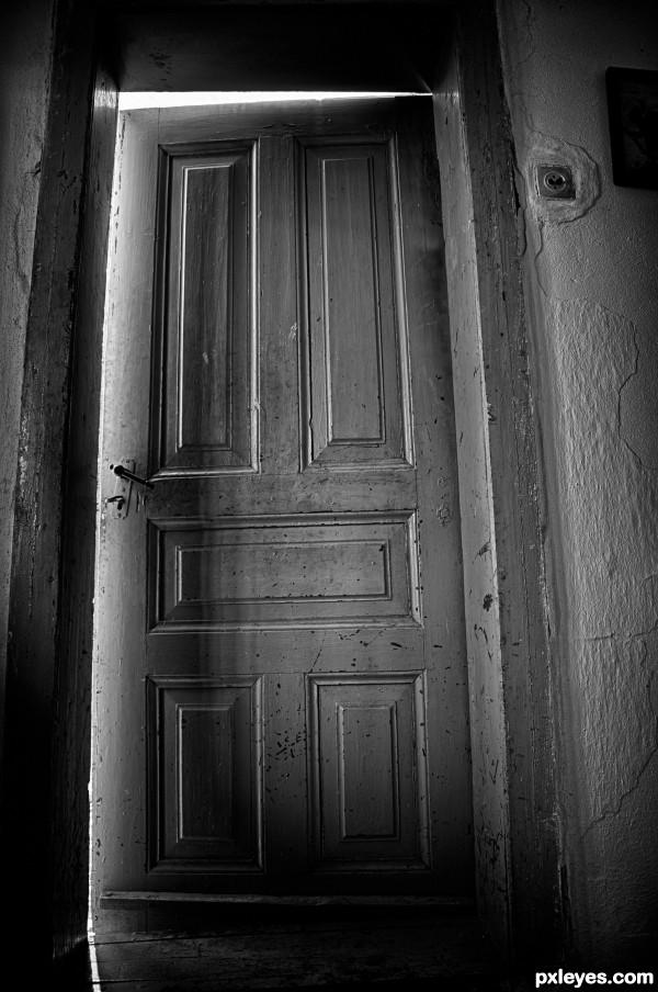 Mistery Door...