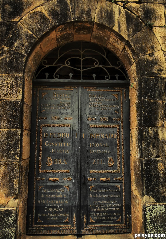 Beau Heavy Door