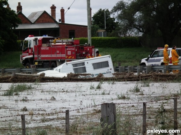 Dont drive in Floodwaters