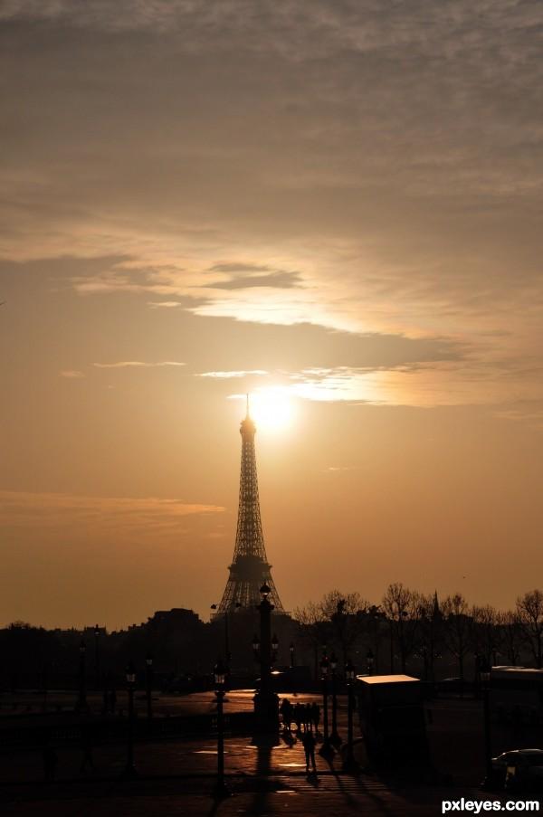 Alien attack at La Eiffel