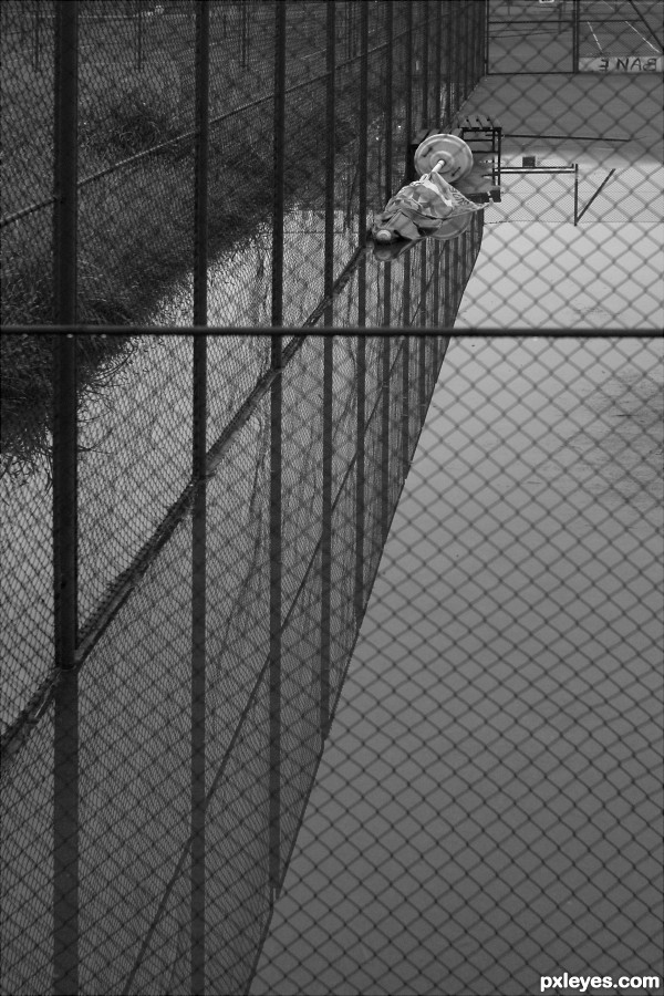 Tennis court - swimming pool