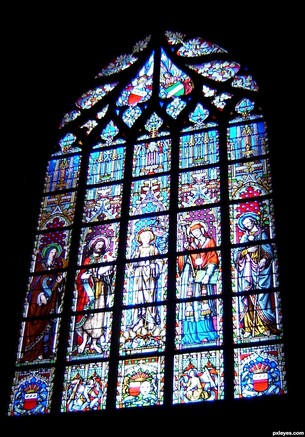 Gothic cathedral window picture by cocor for gothic for Architecture windows