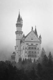 Castleinthemist