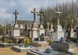 Who is the richest man in the cemetery?