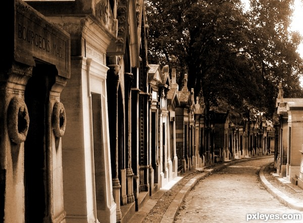 Street in Père Lachaise