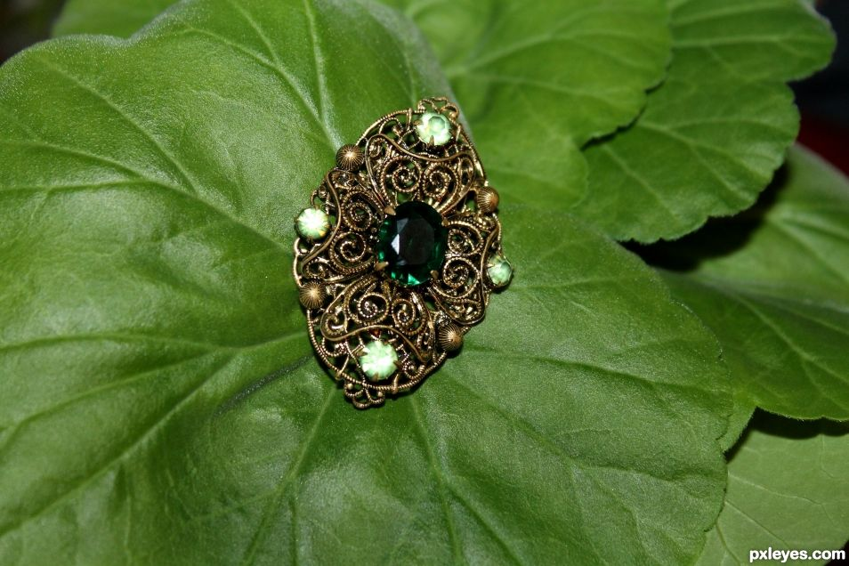 Green jewel