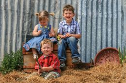 Farm Kids Picture