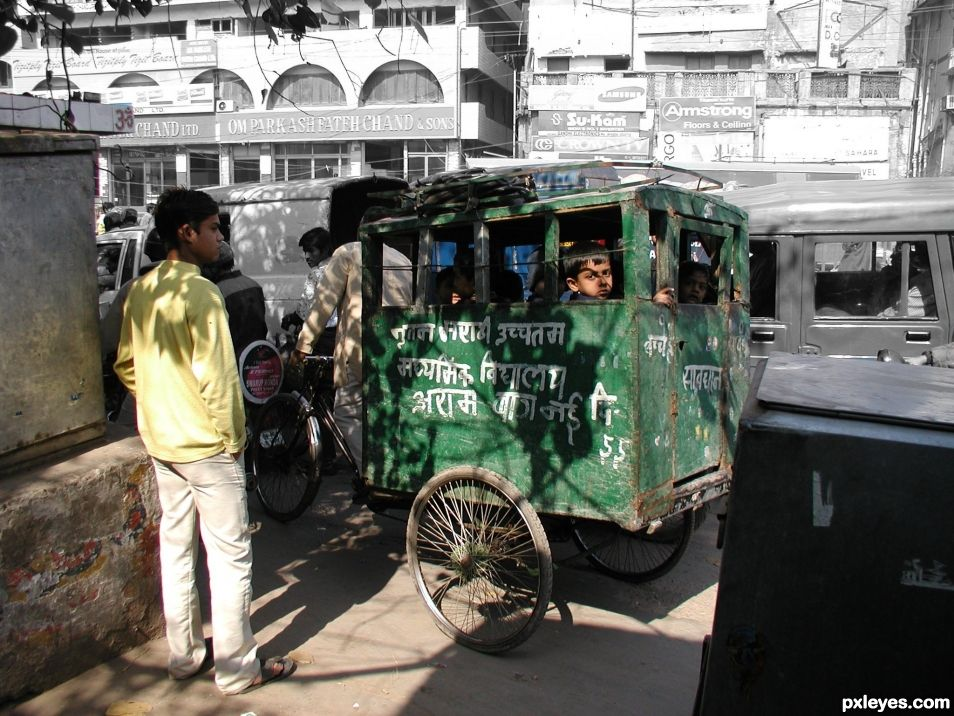 Entry number 106438 School bus, Old Delhi