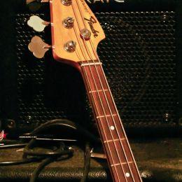 FenderJazzBass