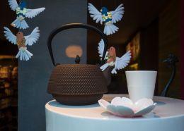 Tea time, birdies!
